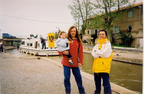 Narbonne, lock on Robine with SERVAS hosts Pascal Bidaud, Isabelle Arrondeau & Fleur