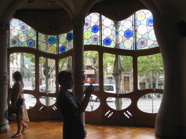 Living Room: Each tourist is given an audio-guide headphone set.  When you point the handset as a camera it shows the room decorated as it would have been in Gaudi's time (early 20th Century).