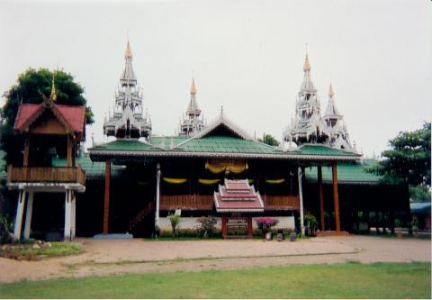 Wat Si Boonruang, Mae Sariang