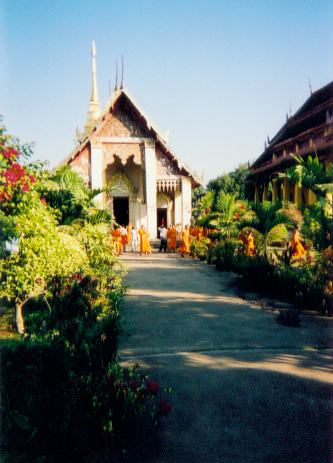 Wat Chang Khau Dan (500 yr. old school group of monks)